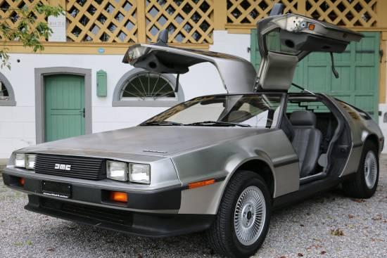 Header DeLorean